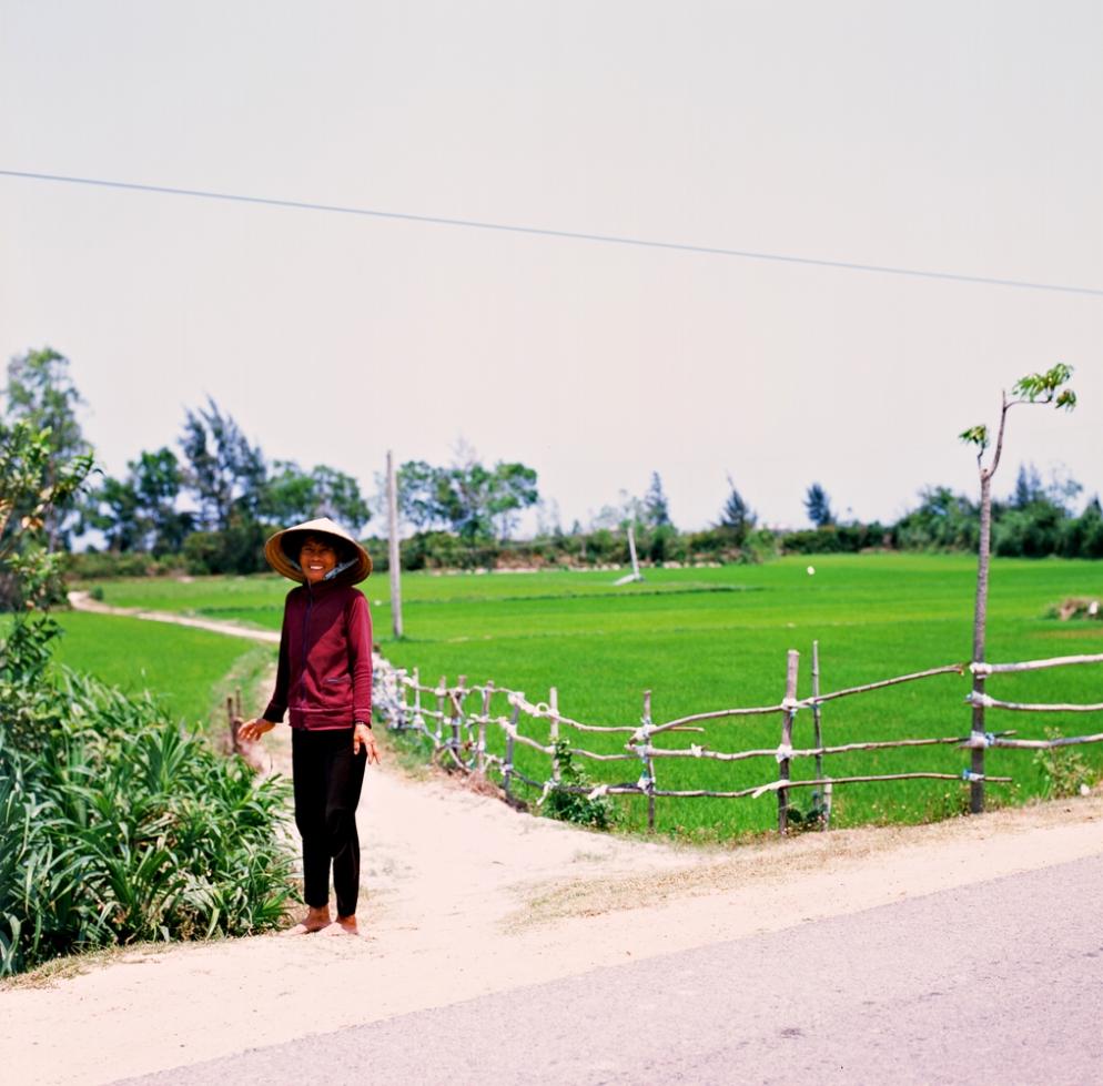 rice_field_lady_1000